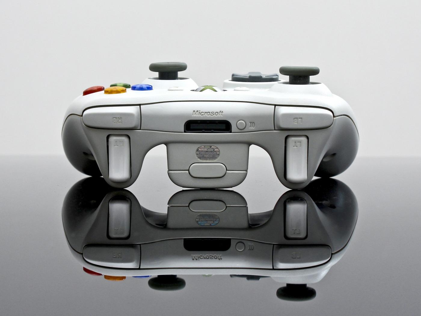 digital video game downloads vs physical gaming media